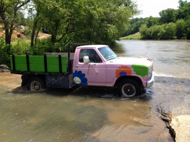 pink-truck-band